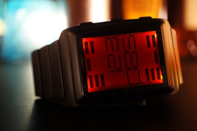 kisai_oto_equalizer_watch_from_tokyoflash_japan_red