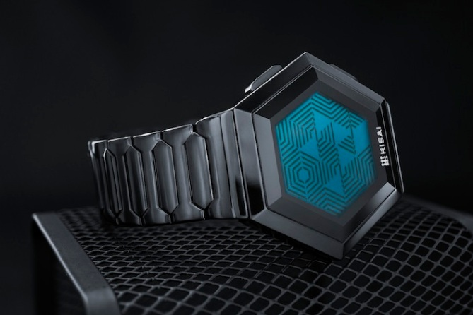 kisai_quasar_lcd_watch_from_tokyoflash_japan_black_blue